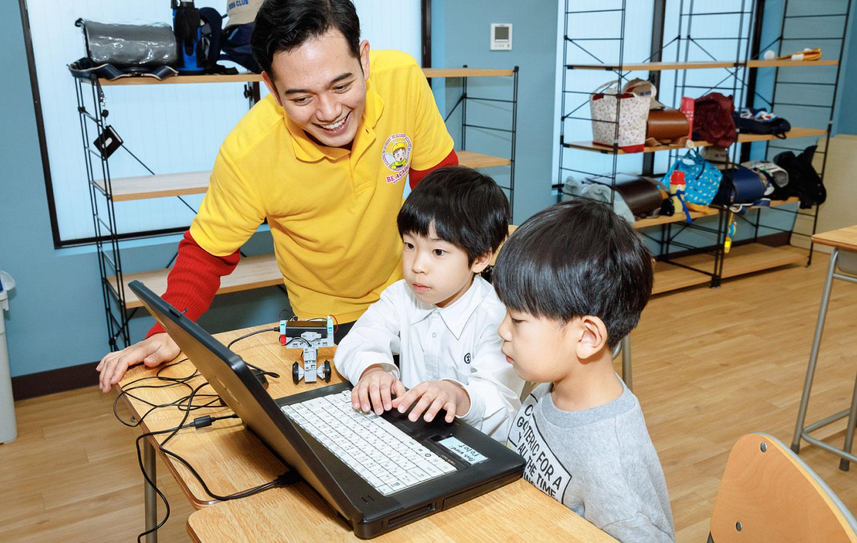 Be Kids Club|枚方の英語学童×プログラミング